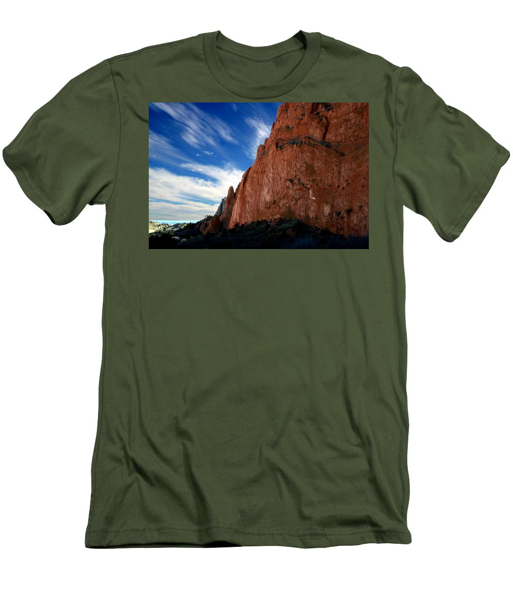 Garden Of The Gods Men's T-Shirt (Athletic Fit) featuring the photograph Garden Of The Gods by Anthony Jones