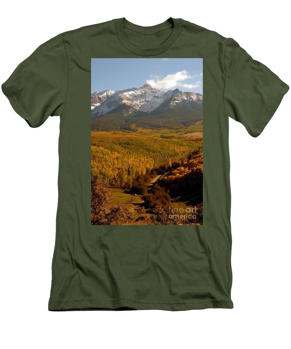 San Juan Mountains Men's T-Shirt (Athletic Fit) featuring the photograph Into The Mountains by David Lee Thompson