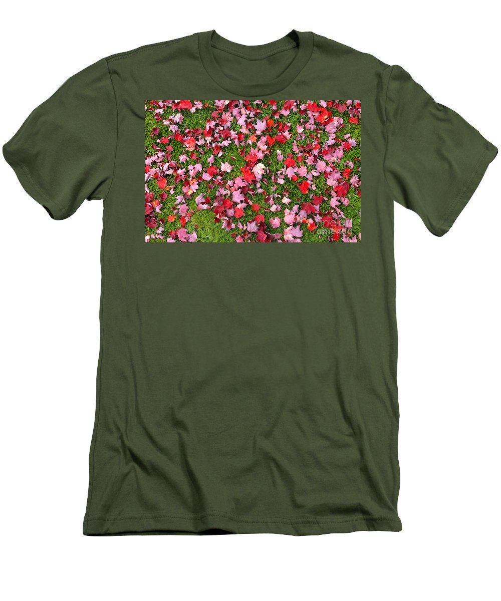 Leafs Men's T-Shirt (Athletic Fit) featuring the photograph Leafs On Grass by David Lee Thompson
