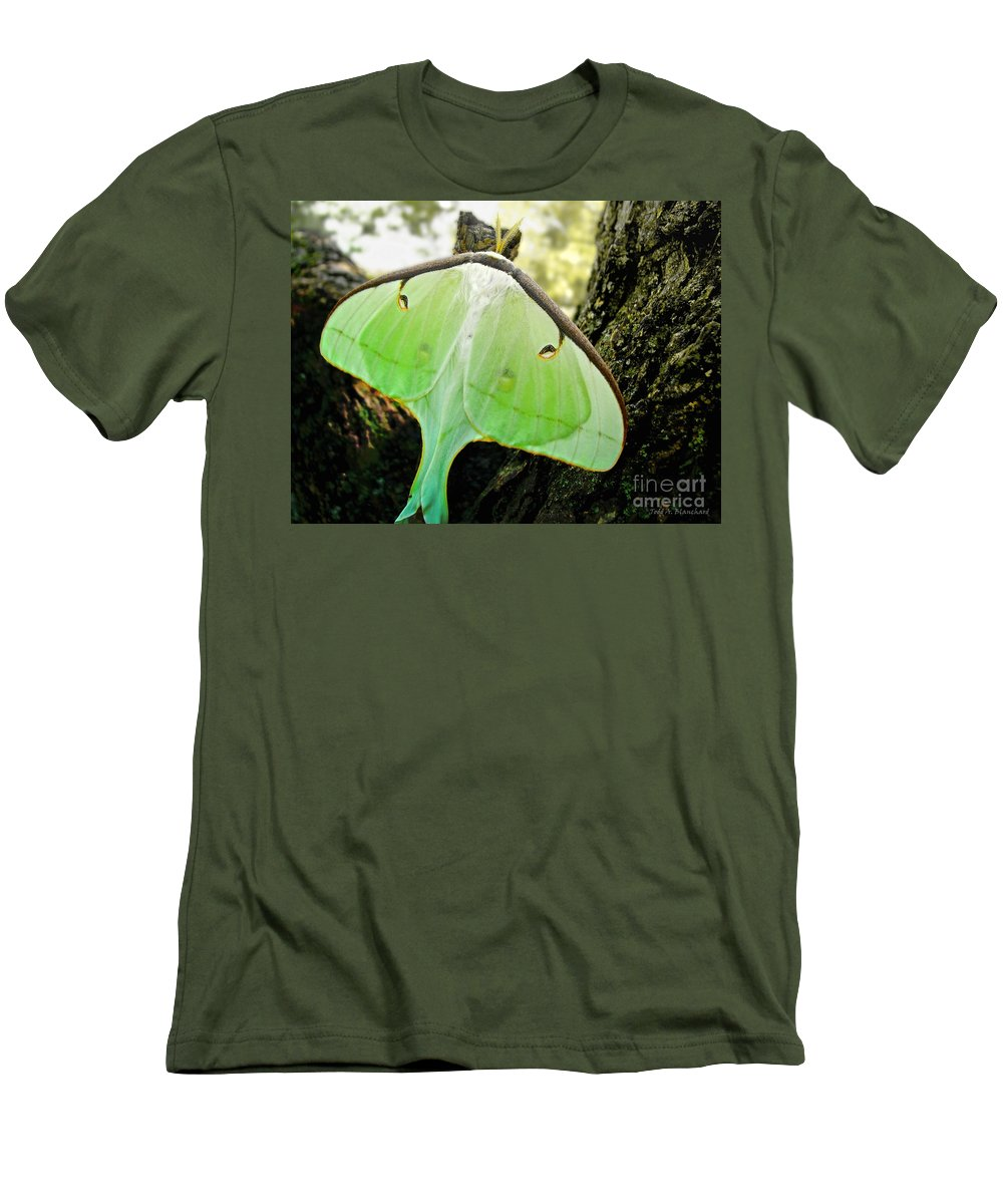 Macro Men's T-Shirt (Athletic Fit) featuring the photograph Luna Moth No. 3 by Todd A Blanchard