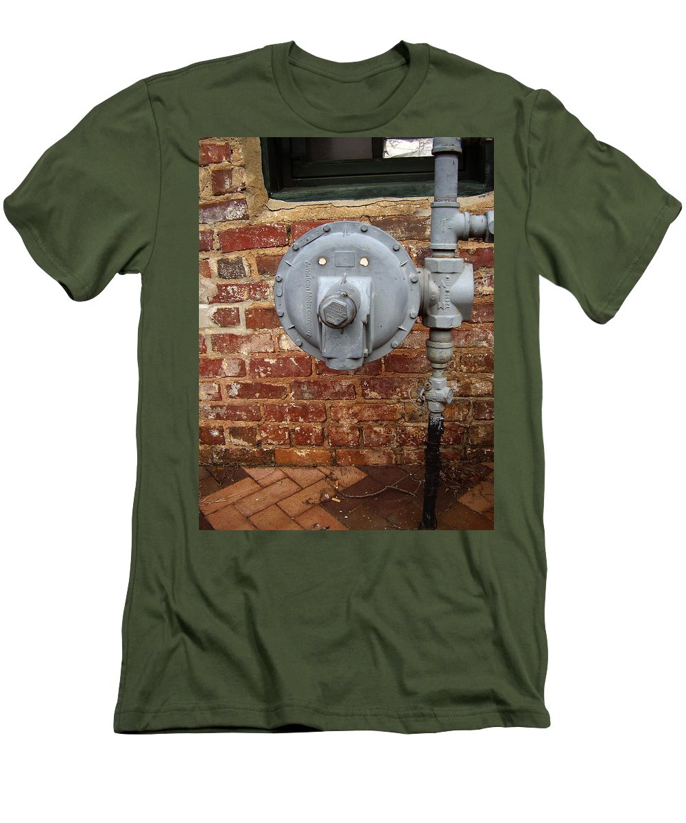 Meter Men's T-Shirt (Athletic Fit) featuring the photograph Meter In Athens Ga by Flavia Westerwelle