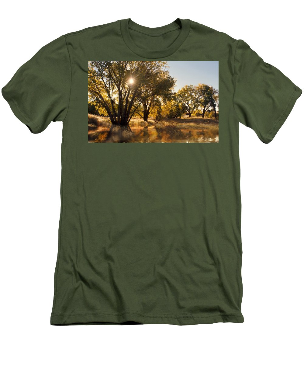Ftrees Men's T-Shirt (Athletic Fit) featuring the photograph Oliver Sunbursts by Jerry McElroy