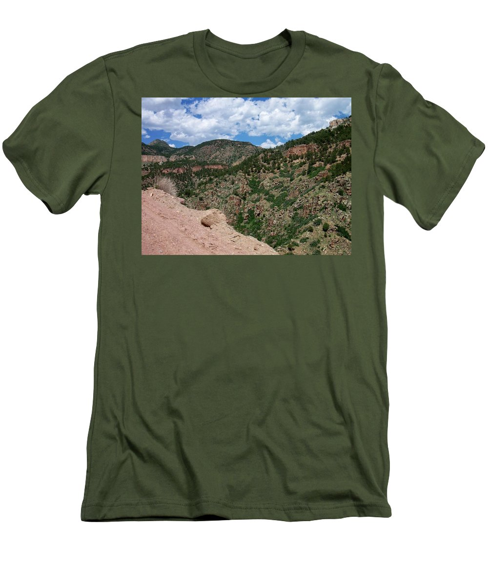 Shelf Road Men's T-Shirt (Athletic Fit) featuring the photograph Shelf Road Drop Off by Anita Burgermeister