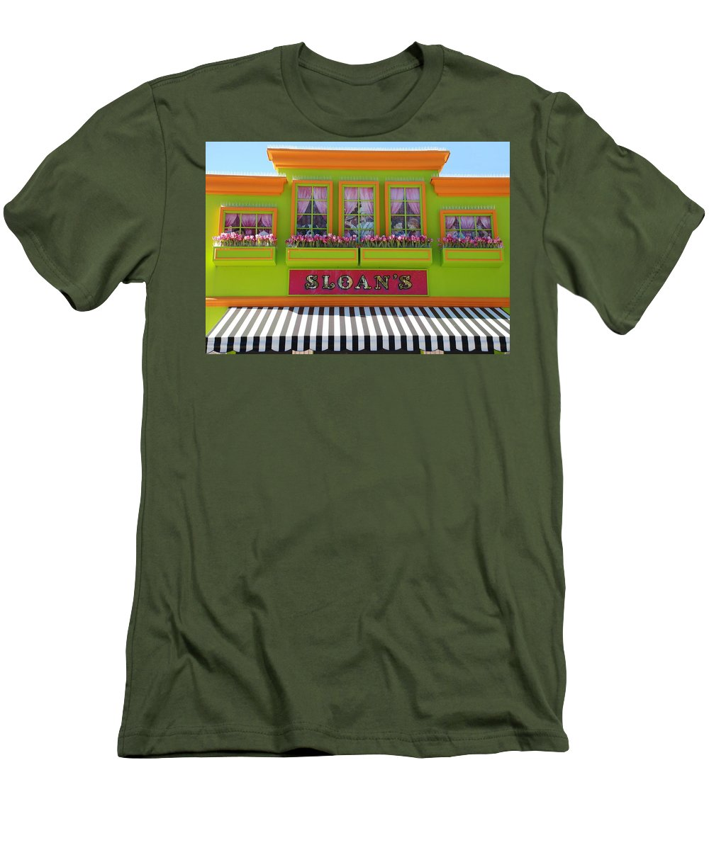 Architecture Men's T-Shirt (Athletic Fit) featuring the photograph Sloans by Rob Hans