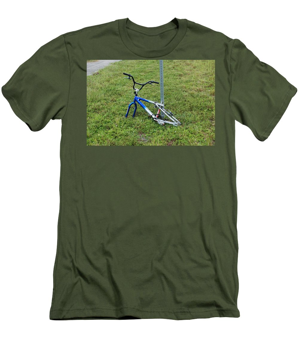 Bicycle Men's T-Shirt (Athletic Fit) featuring the photograph Stripped by Rob Hans