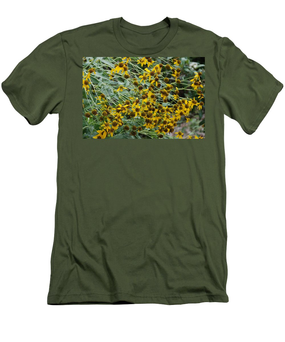 Macro Men's T-Shirt (Athletic Fit) featuring the photograph Sun Flowers by Rob Hans