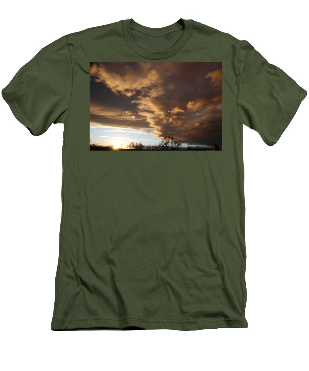 Sunset Men's T-Shirt (Athletic Fit) featuring the photograph Sunset At The New Mexico State Capital by Rob Hans