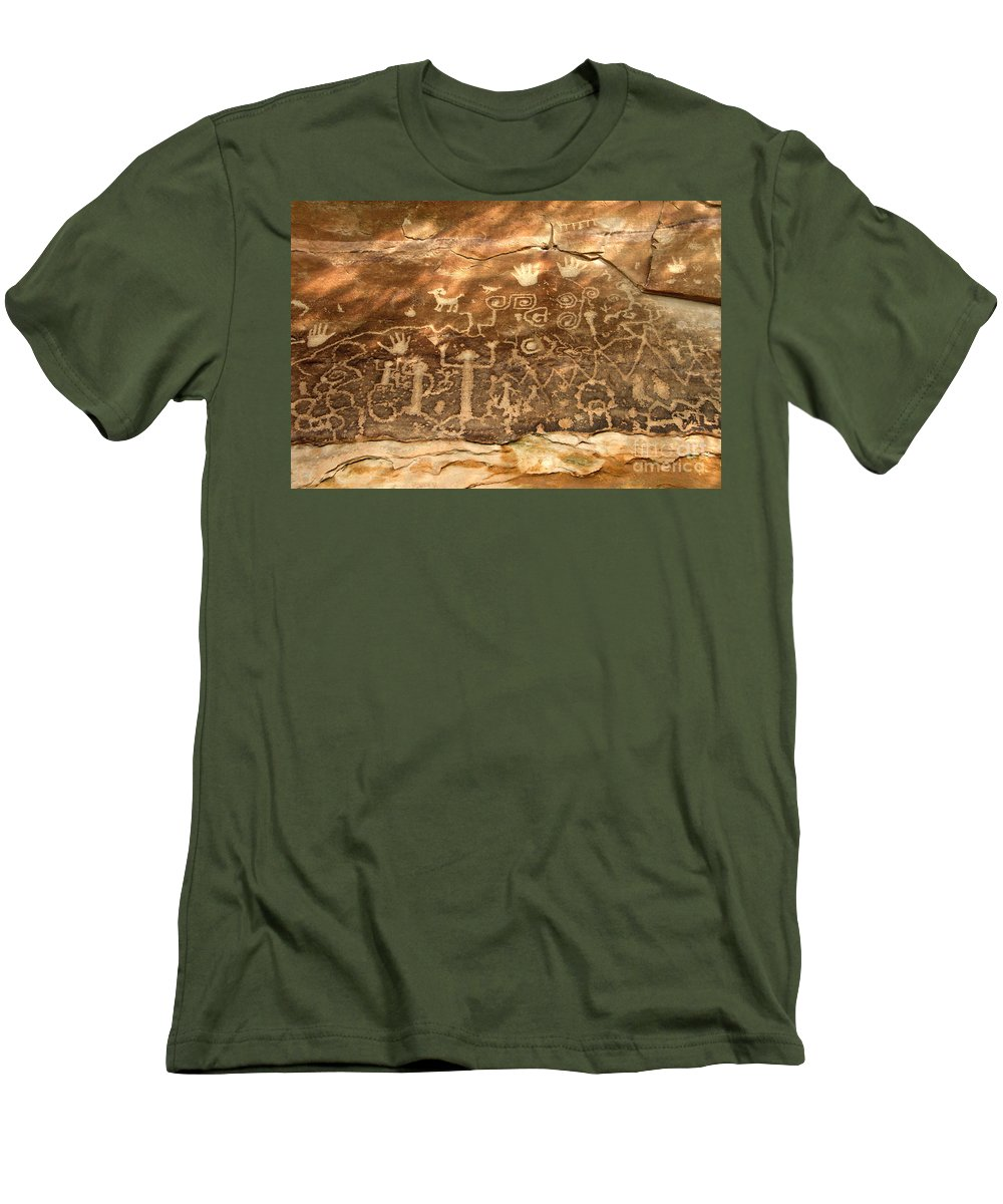 Anasazi Men's T-Shirt (Athletic Fit) featuring the photograph The Great Panel by David Lee Thompson
