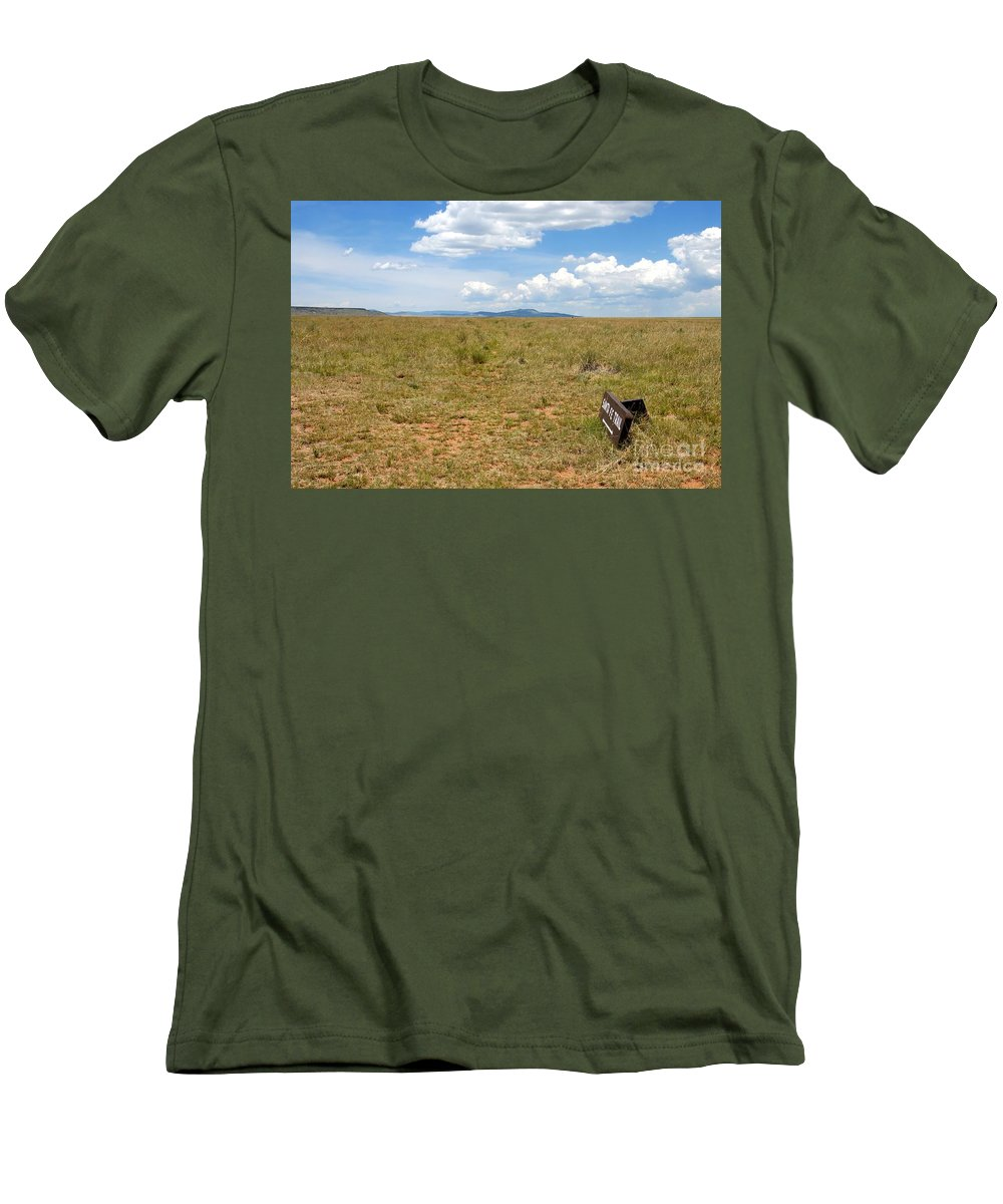 Santa Fe Trail Men's T-Shirt (Athletic Fit) featuring the photograph The Old Santa Fe Trail by David Lee Thompson