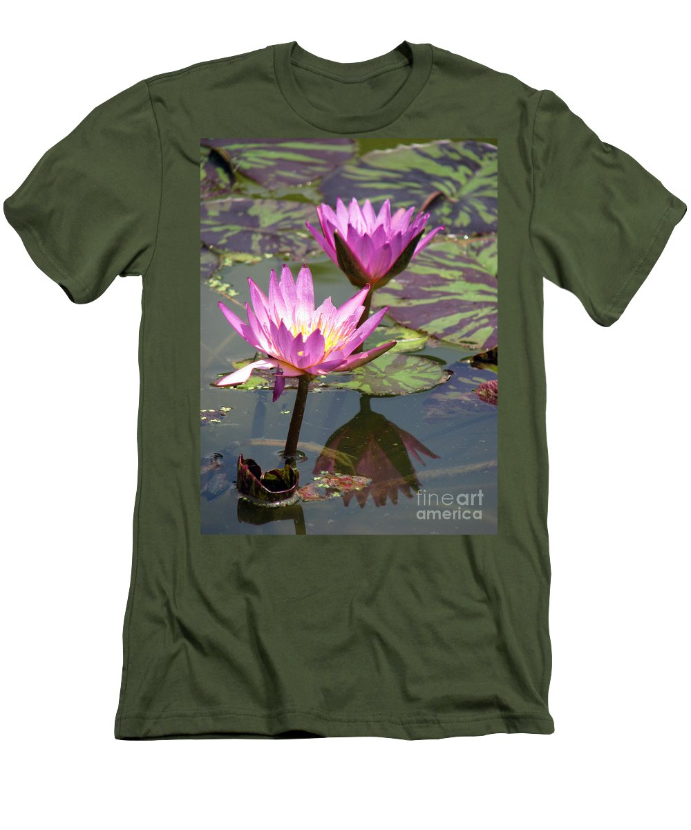 Lillypad Men's T-Shirt (Athletic Fit) featuring the photograph The Pond by Amanda Barcon