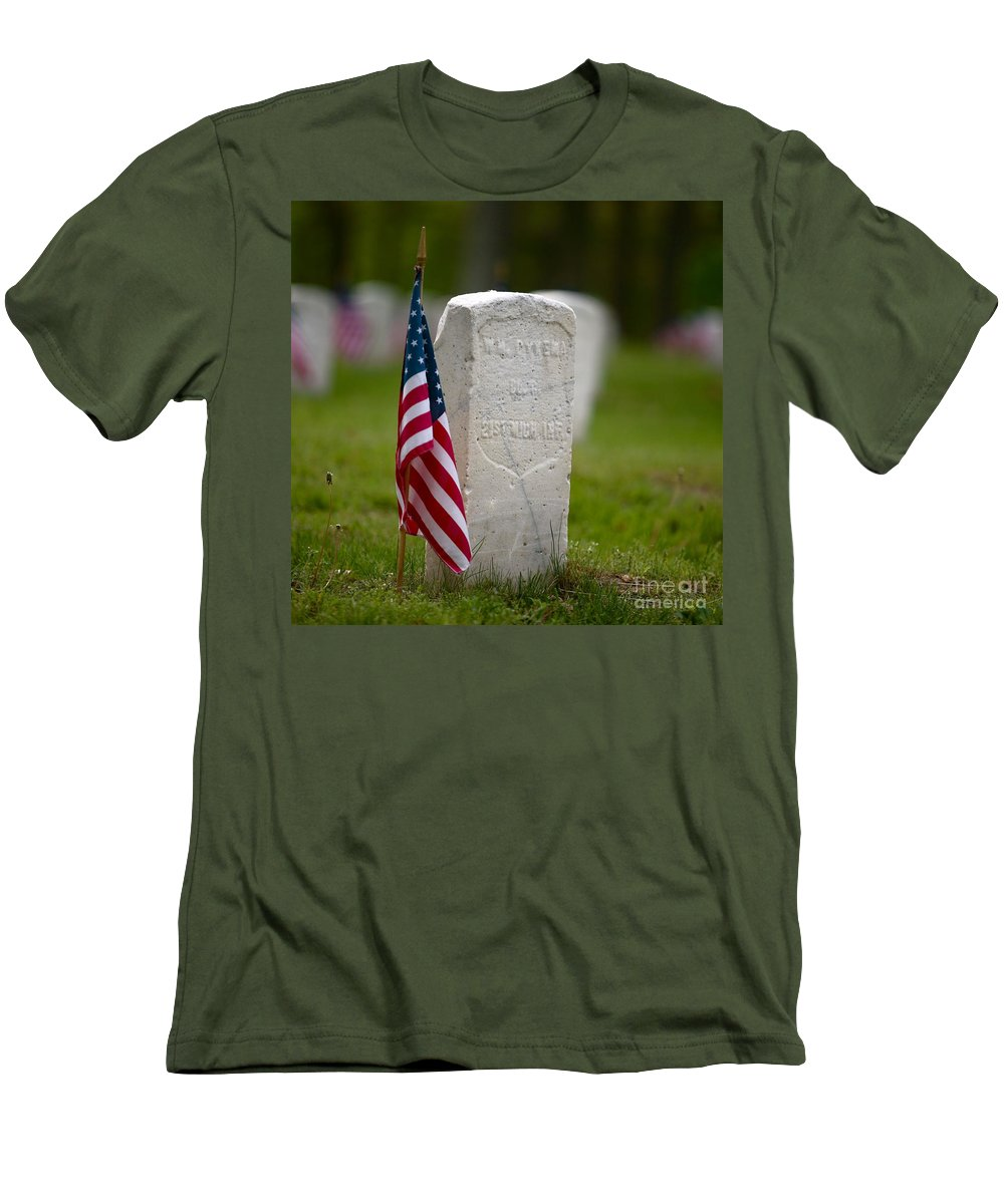 Grave Men's T-Shirt (Athletic Fit) featuring the photograph The Price Of Freedom by Robert Pearson