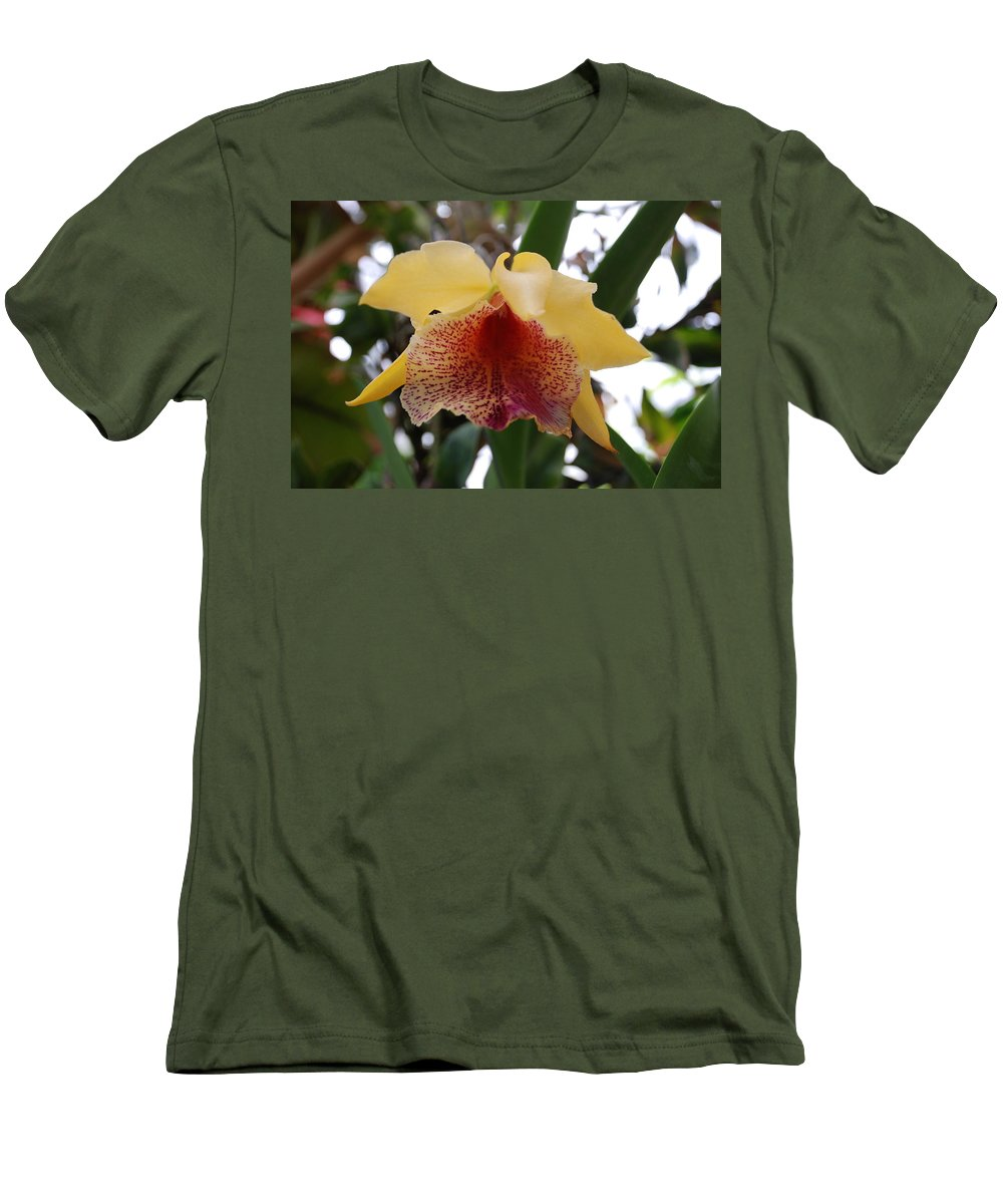 Macro Men's T-Shirt (Athletic Fit) featuring the photograph Yellow Red Orchid by Rob Hans