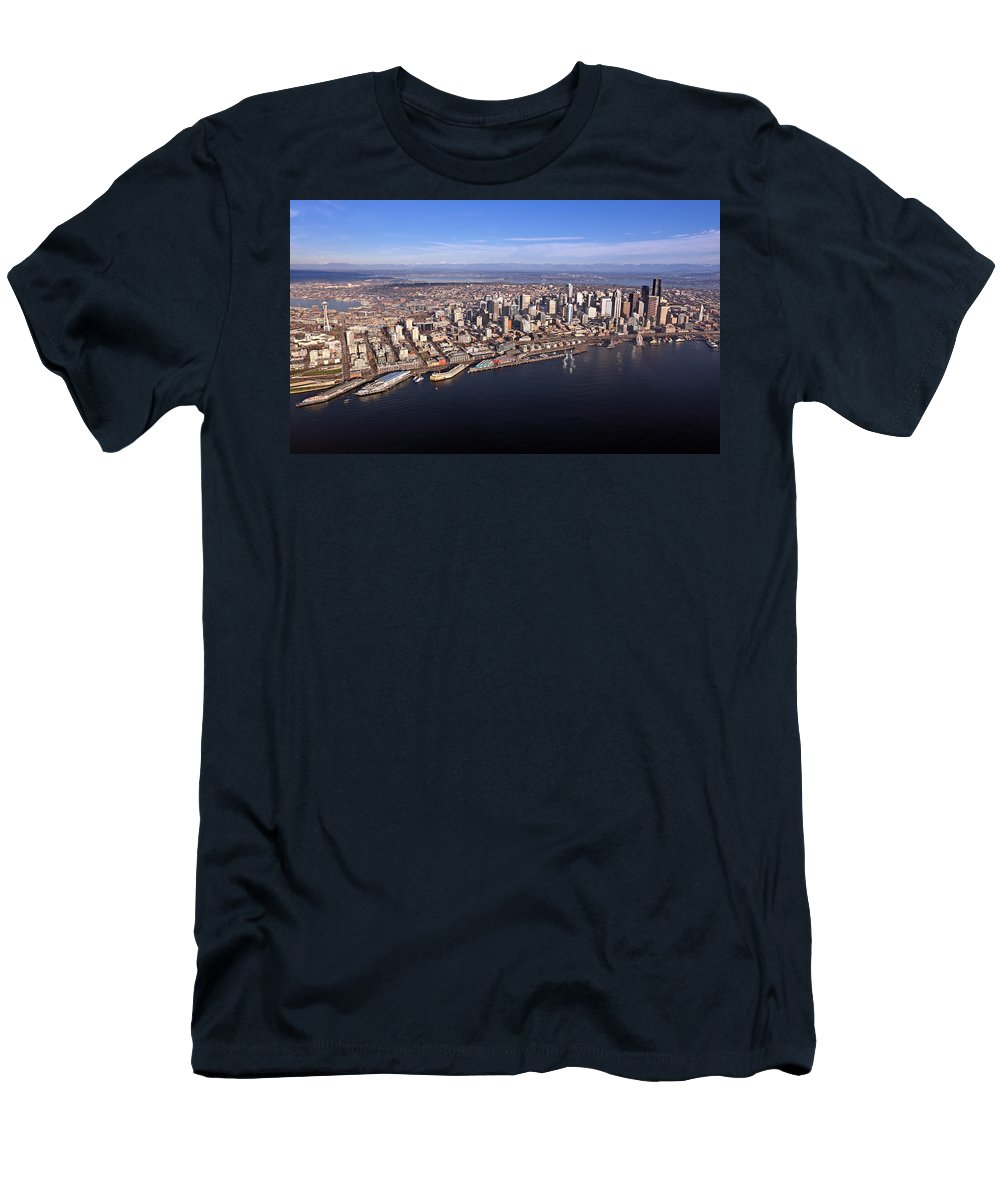 Seattle Men's T-Shirt (Athletic Fit) featuring the photograph Seattle by Paul Fell