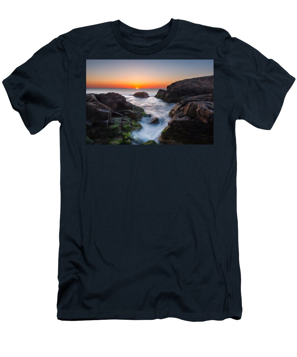 Coast Men's T-Shirt (Athletic Fit) featuring the photograph Tic Tac Toe by Michael Blanchette