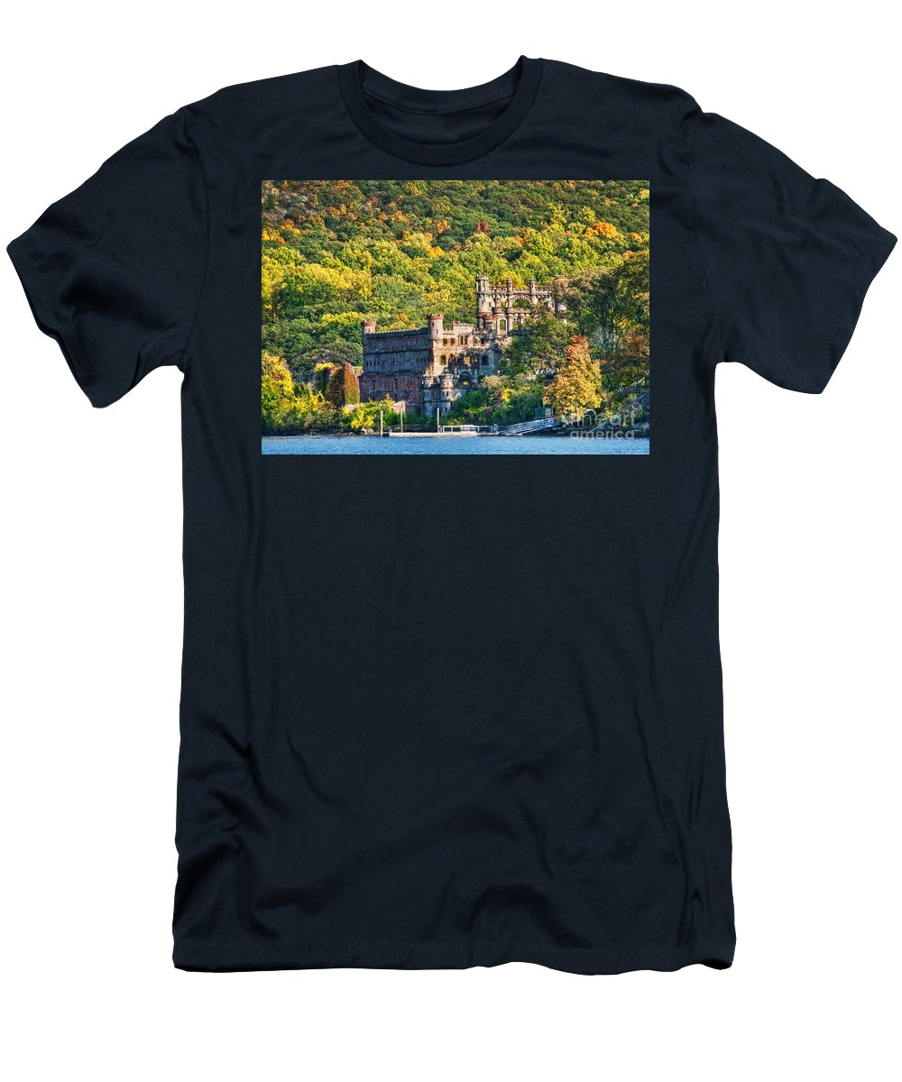 Castle Men's T-Shirt (Athletic Fit) featuring the photograph Bannerman's Castle by Claudia Kuhn