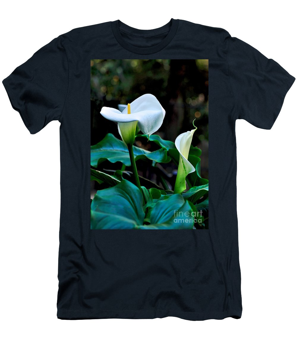 Photography Men's T-Shirt (Athletic Fit) featuring the photograph Calla Lily - Zantedeschia Aethiopica by Kaye Menner