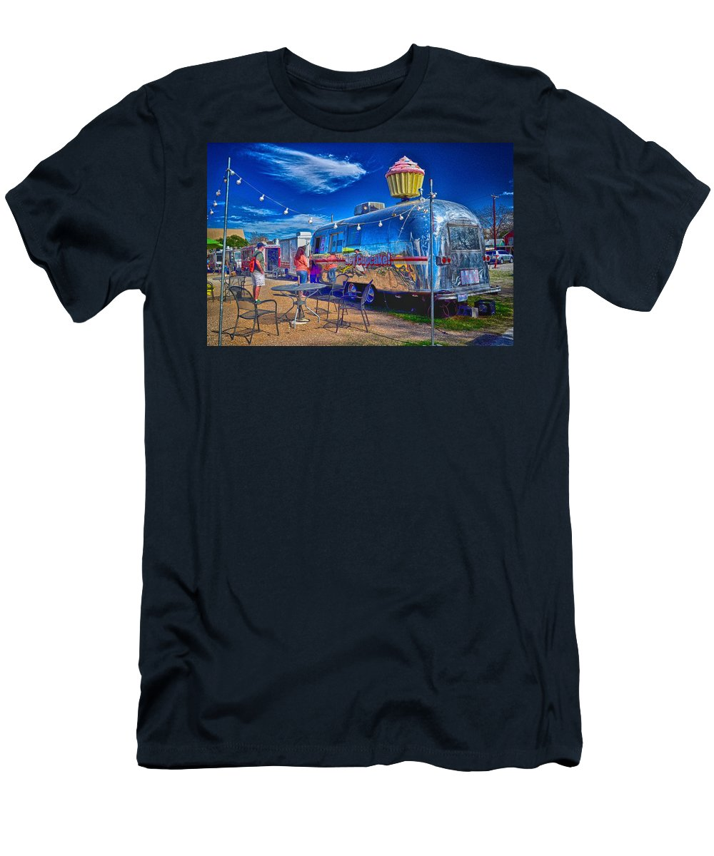Austin Food Trailer Men's T-Shirt (Athletic Fit) featuring the photograph Cupcake Food Trailer by Kristina Deane