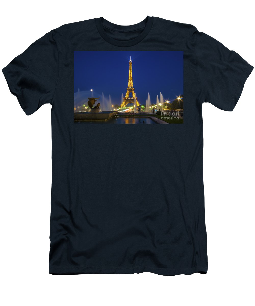 Eiffel Men's T-Shirt (Athletic Fit) featuring the photograph Eiffel Tower By Night by Rob Hawkins