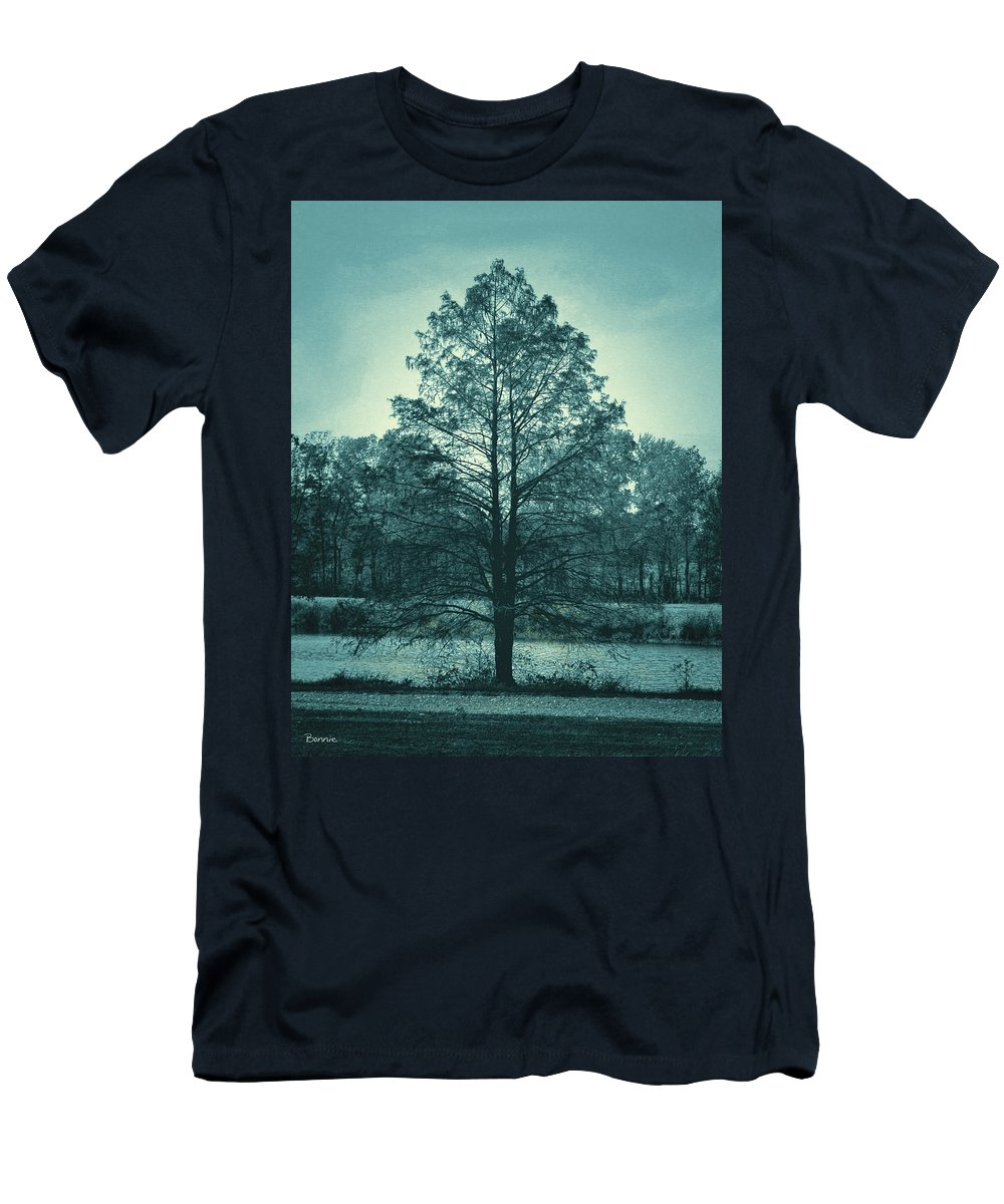 Tree Men's T-Shirt (Athletic Fit) featuring the photograph Evening Falls by Bonnie Willis