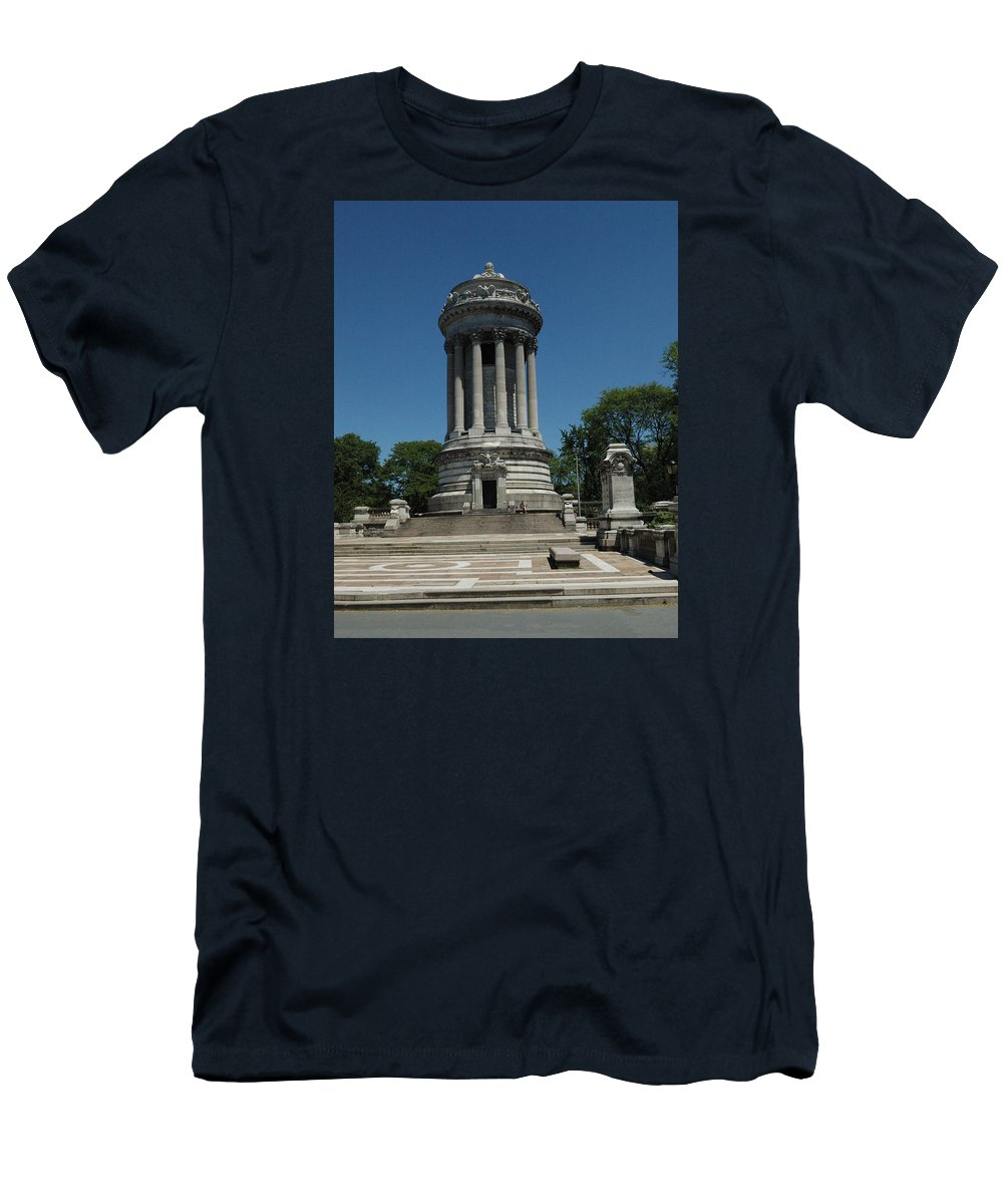 88th Street Men's T-Shirt (Athletic Fit) featuring the photograph Soldier's And Sailor's Monument New York City by Tom Wurl