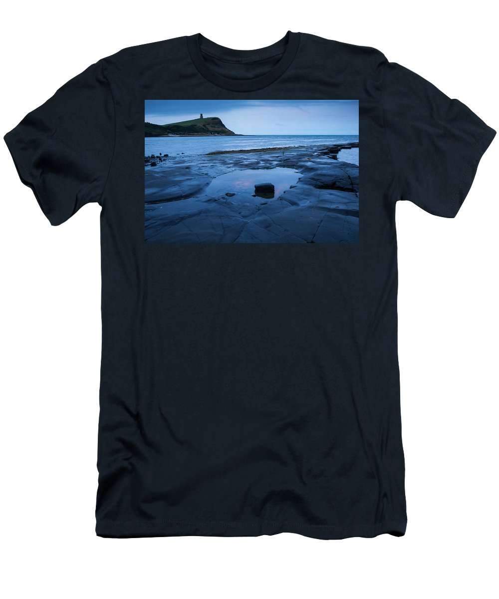 Kimmeridge Men's T-Shirt (Athletic Fit) featuring the photograph Kimmeridge Bay At Dawn by Ian Middleton
