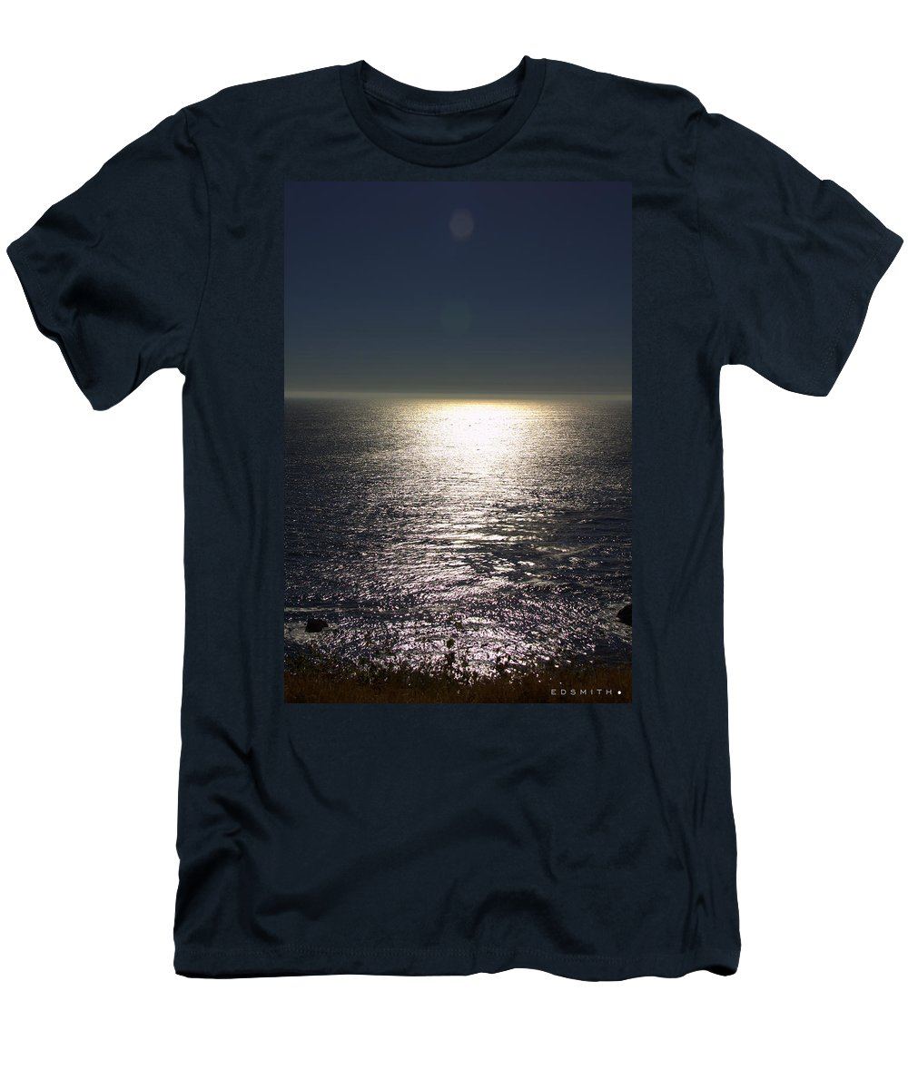 Missing Sun Men's T-Shirt (Athletic Fit) featuring the photograph Missing Sun by Ed Smith