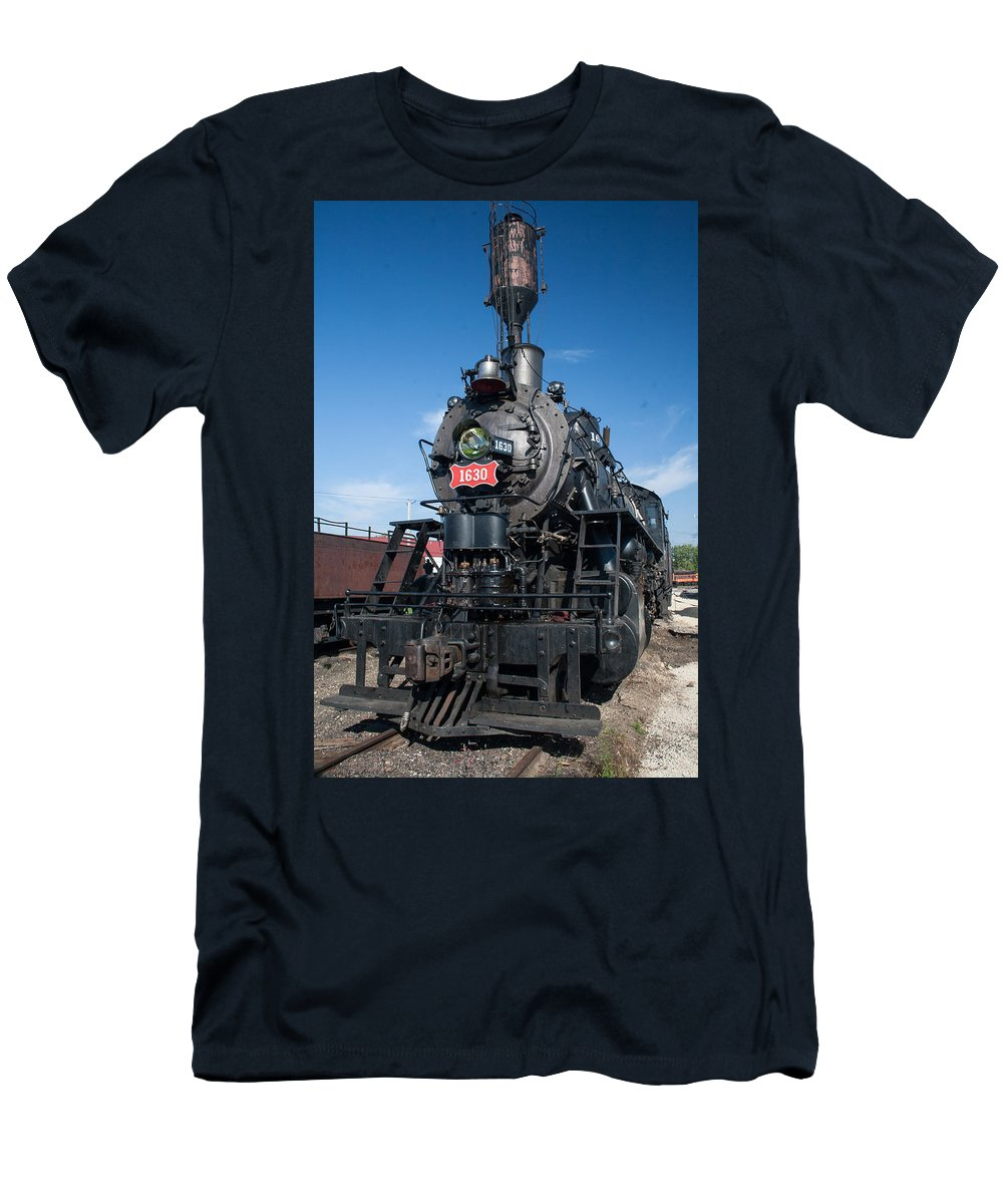 Trains Men's T-Shirt (Athletic Fit) featuring the photograph Old Steam Engine by Robert Storost