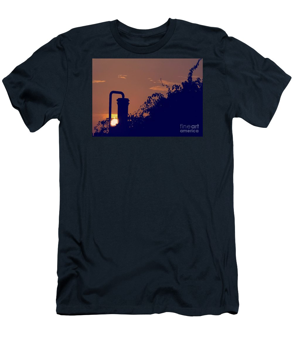 Sunset Men's T-Shirt (Athletic Fit) featuring the photograph Pittsburgh Sunset by Charlie Cliques