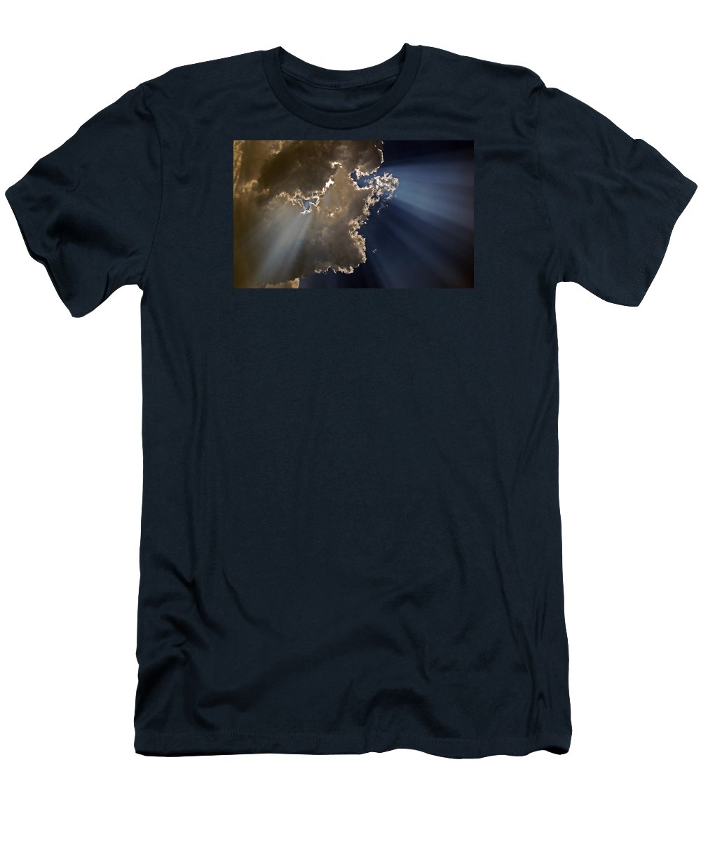 Sky Men's T-Shirt (Athletic Fit) featuring the photograph Shining The Light by Skip Willits