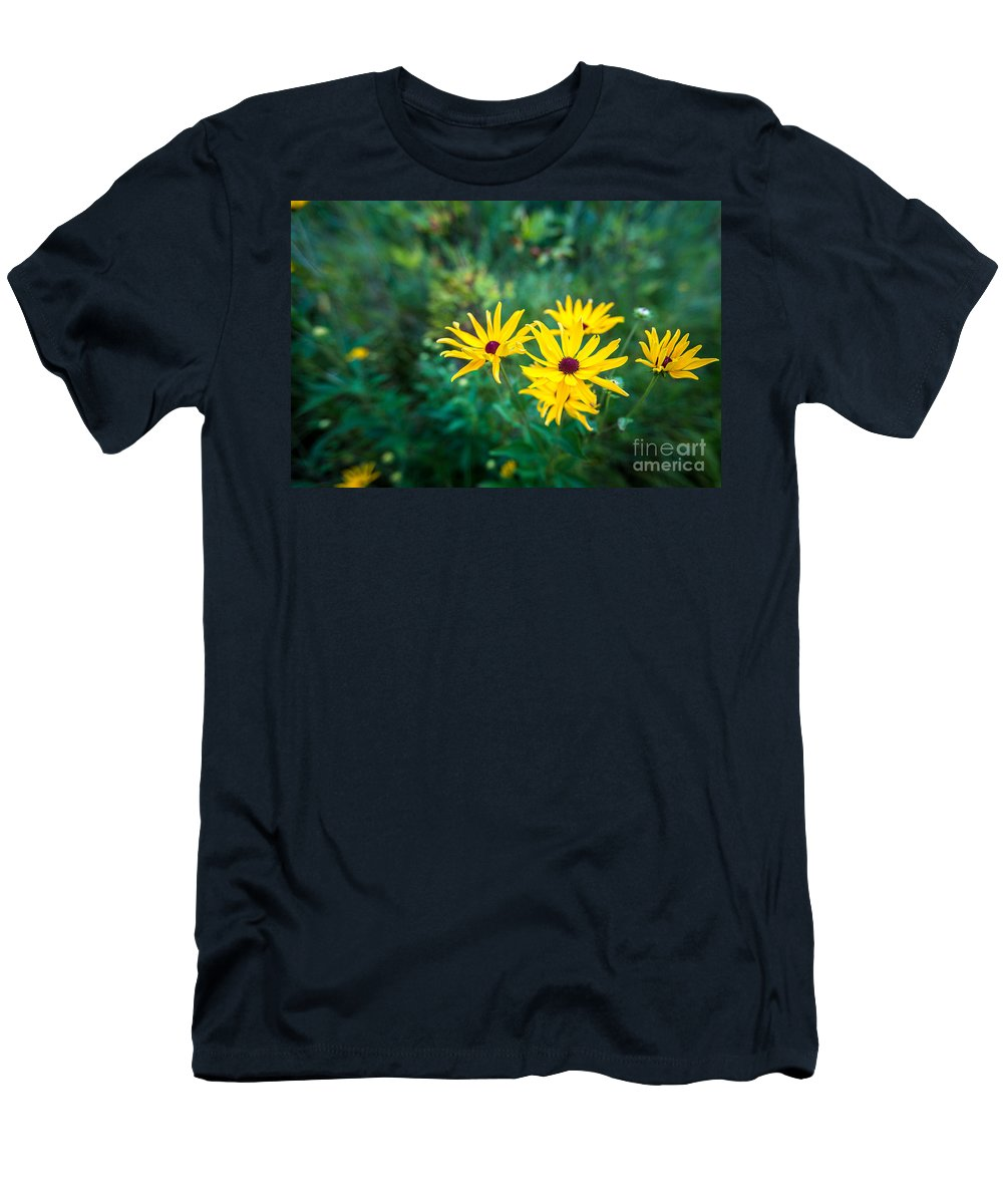 Bayside Men's T-Shirt (Athletic Fit) featuring the photograph Sunflower Group Session by Andrew Slater