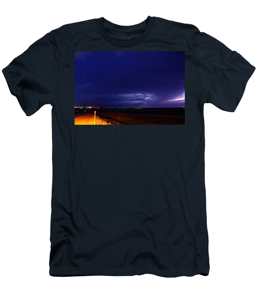 Lightning Men's T-Shirt (Athletic Fit) featuring the photograph The Limon Beast by Marcelo Albuquerque