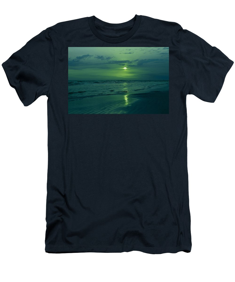Sunset Men's T-Shirt (Athletic Fit) featuring the photograph To Green To Be Blue by Sherry Allen