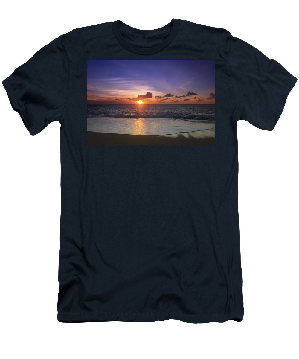 Atmosphere Men's T-Shirt (Athletic Fit) featuring the photograph North Shore Sunset by Vince Cavataio - Printscapes