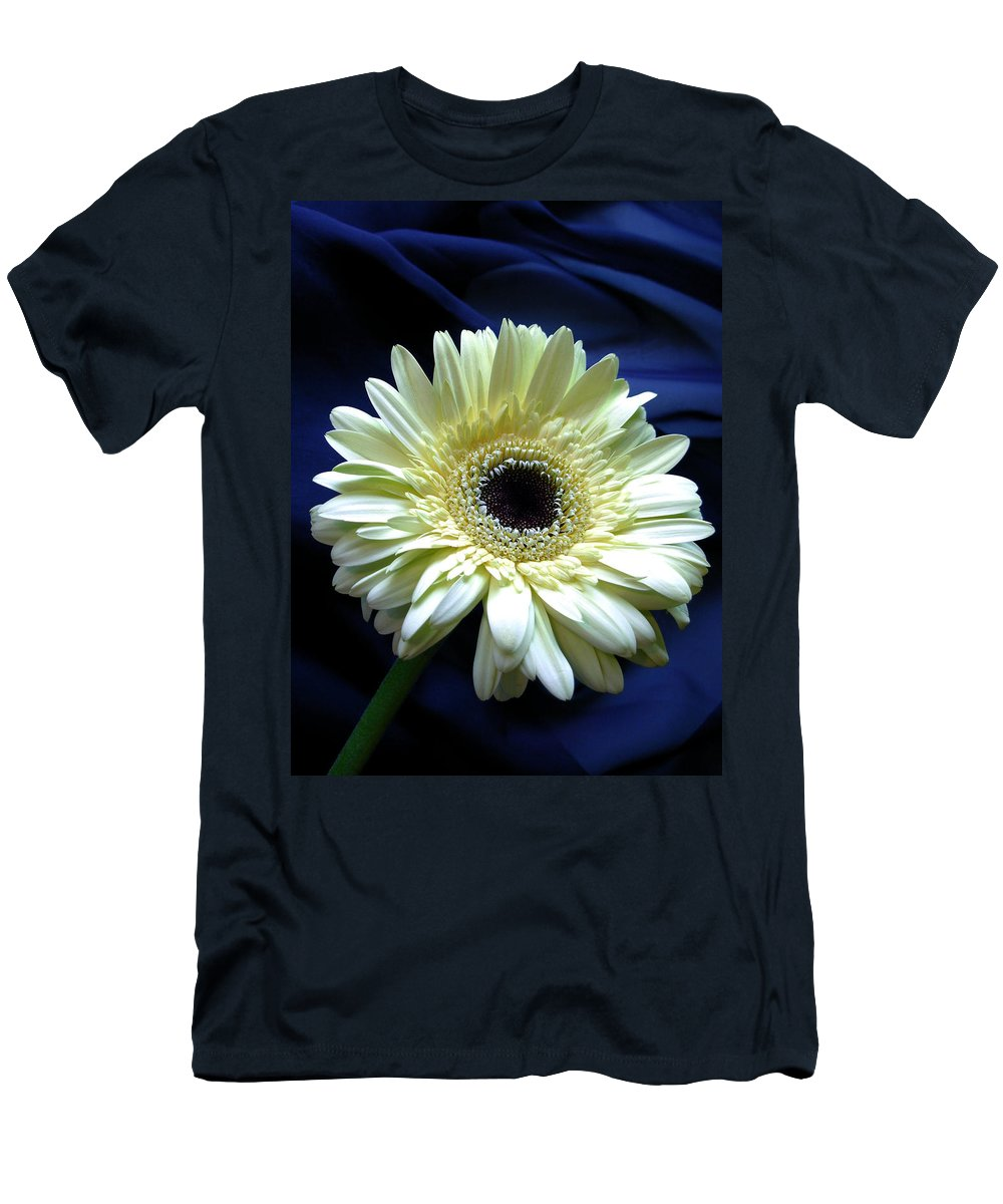 Gerbera Photographs Men's T-Shirt (Athletic Fit) featuring the photograph 80152a by Kimberlie Gerner