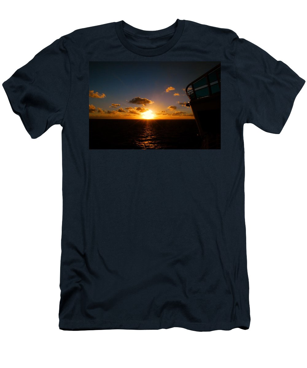 Sunset Men's T-Shirt (Athletic Fit) featuring the photograph End Of The Day by Gary Wonning