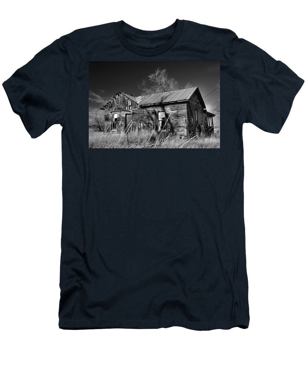 House Men's T-Shirt (Athletic Fit) featuring the photograph Homestead by Ron Cline