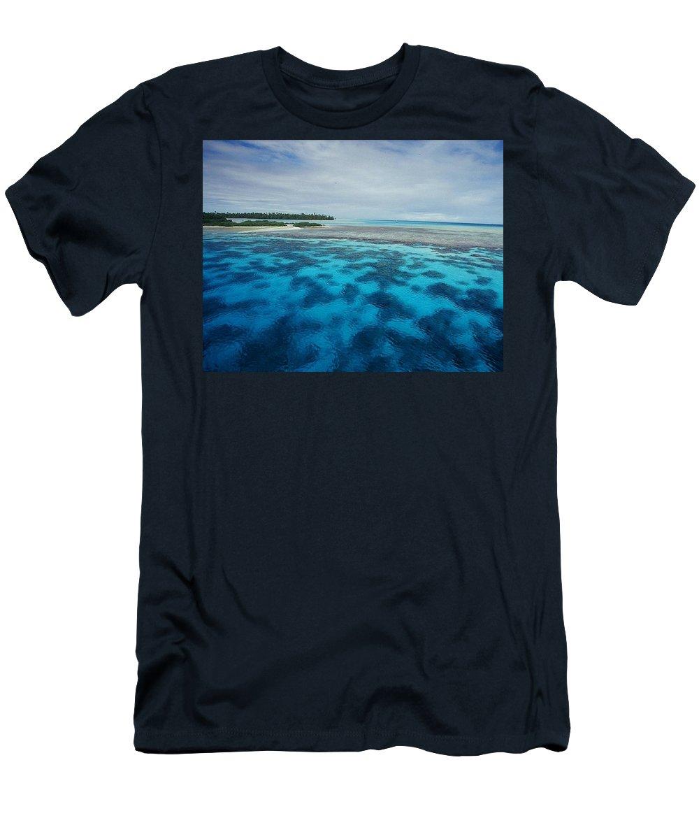 Meldives Men's T-Shirt (Athletic Fit) featuring the photograph Meldives Paradise by Julianna Danson