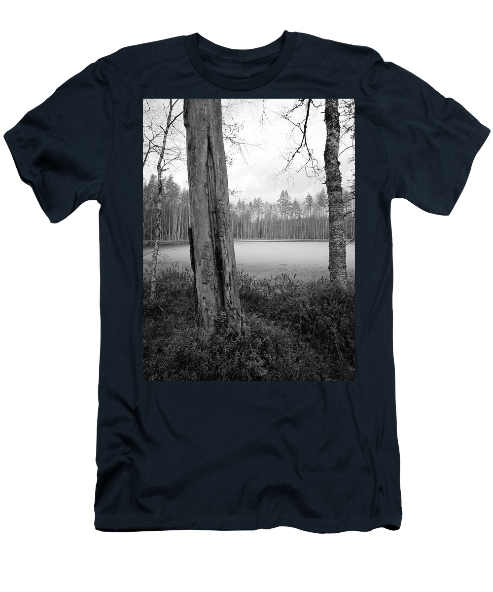 Lehtokukka Men's T-Shirt (Athletic Fit) featuring the photograph Liesilampi 3 by Jouko Lehto