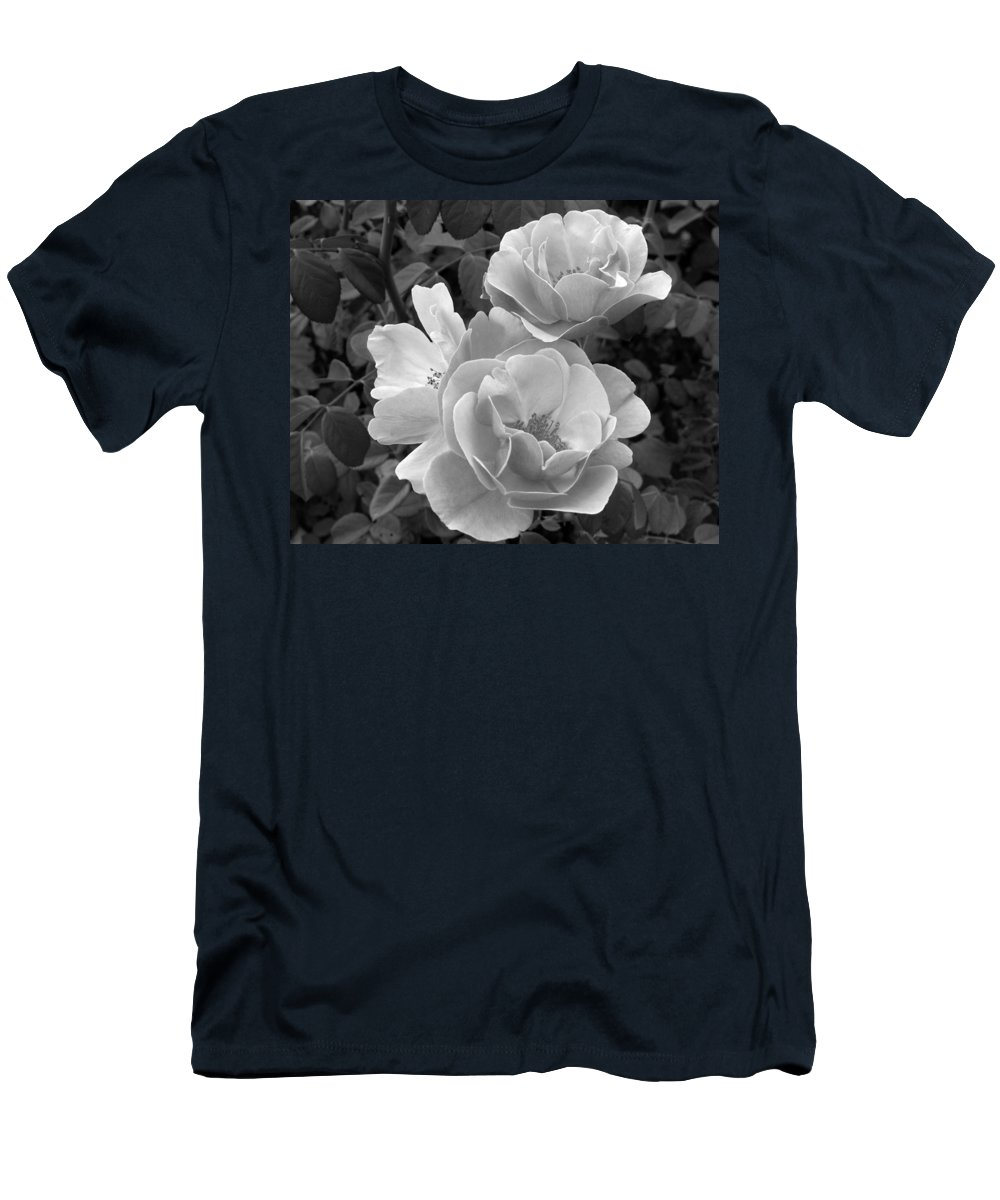 Rose Men's T-Shirt (Athletic Fit) featuring the photograph Black And White Roses 2 by Amy Fose