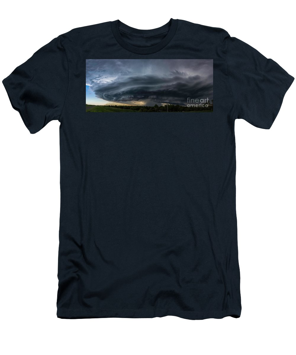 Storm Men's T-Shirt (Athletic Fit) featuring the photograph Incoming Storm by Willard Sharp