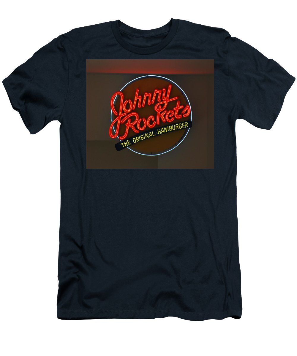 Macro Men's T-Shirt (Athletic Fit) featuring the photograph Johnny Rockets by Rob Hans
