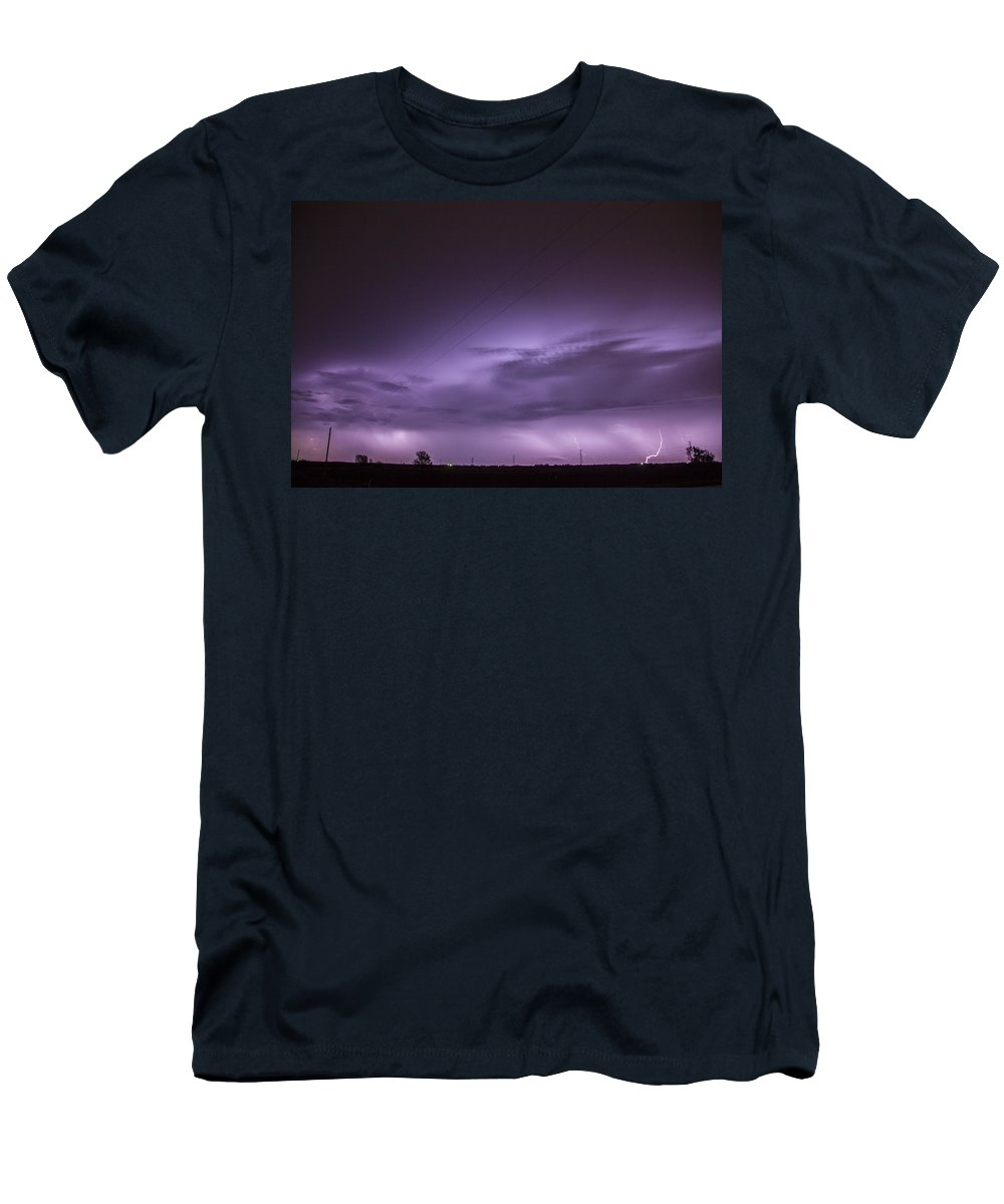 Nebraskasc Men's T-Shirt (Athletic Fit) featuring the photograph 6th Storm Chase 2015 by NebraskaSC