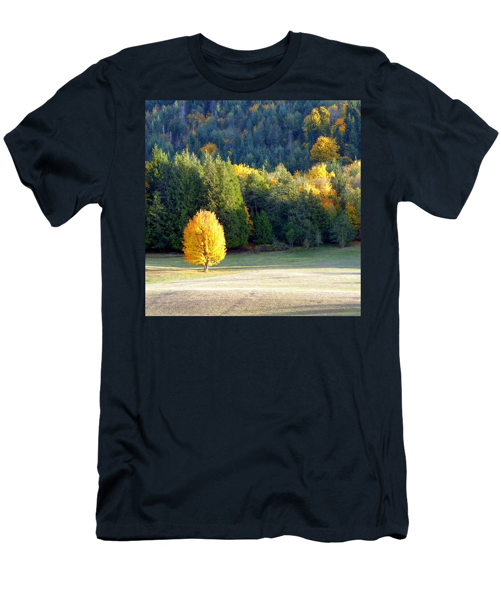 Autumn Men's T-Shirt (Athletic Fit) featuring the photograph Autumn Gold by Elaine Bawden