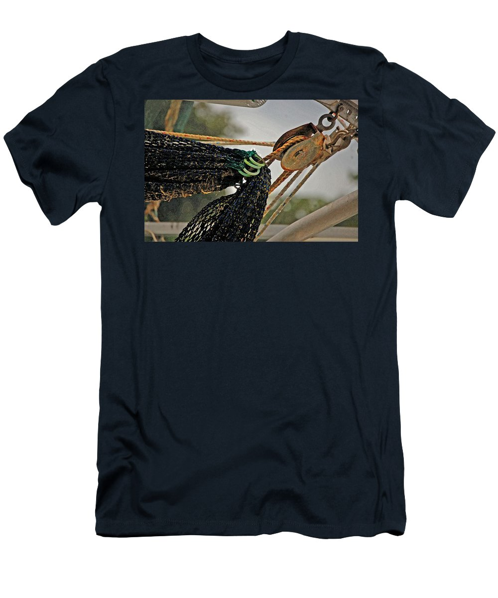 Pelican Men's T-Shirt (Athletic Fit) featuring the digital art Block And Net by Michael Thomas