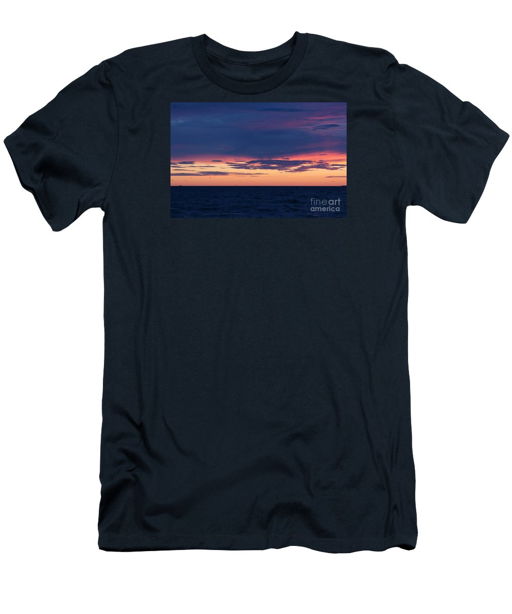 Straits Men's T-Shirt (Athletic Fit) featuring the photograph Bring Me The Sunset by Linda Shafer
