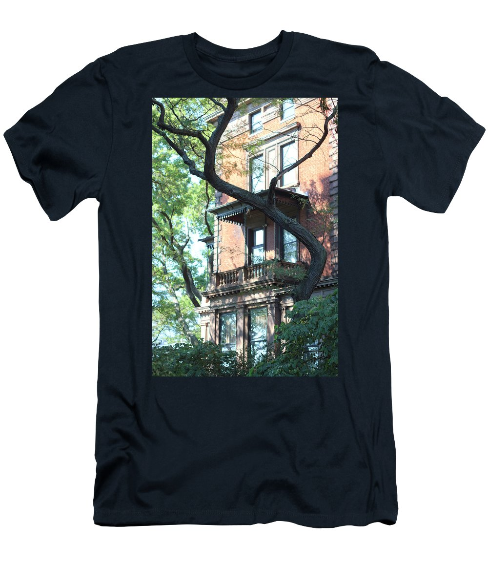 Brooklyn Men's T-Shirt (Athletic Fit) featuring the photograph Brooklyn Building And Tree by Silvia Bruno