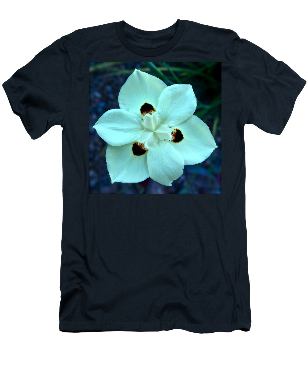 Botanical Men's T-Shirt (Athletic Fit) featuring the photograph Butterfly Iris by Bonnie See