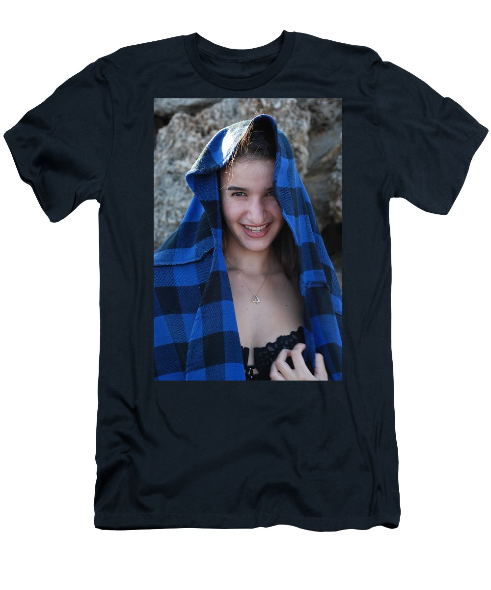 Woman Men's T-Shirt (Athletic Fit) featuring the photograph Gisele by Rob Hans