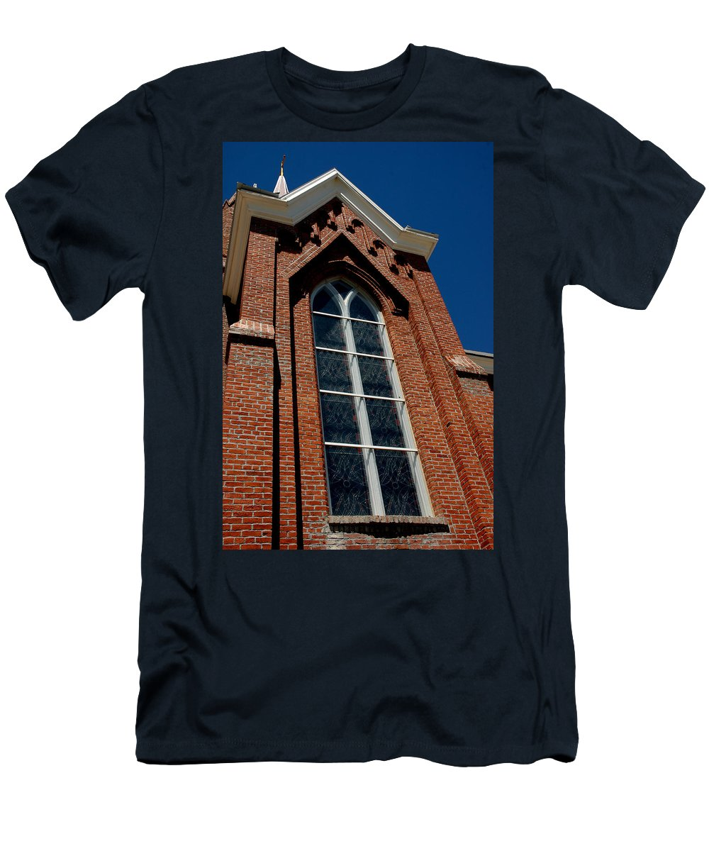 Usa Men's T-Shirt (Athletic Fit) featuring the photograph Gods Window St. Mary's In The Mountains Catholic Church by LeeAnn McLaneGoetz McLaneGoetzStudioLLCcom