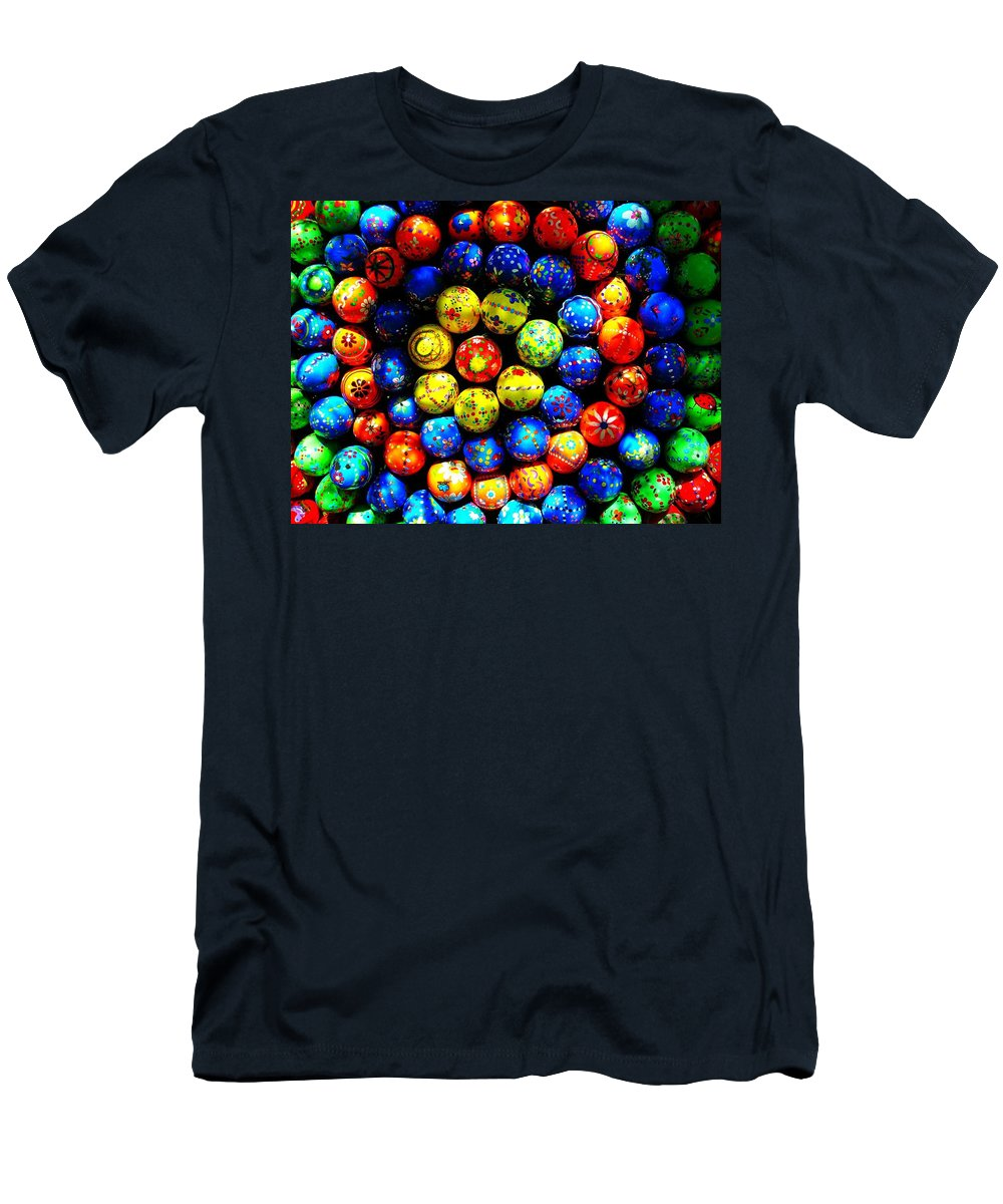 Easter Men's T-Shirt (Athletic Fit) featuring the photograph Happy Easter by Juergen Weiss